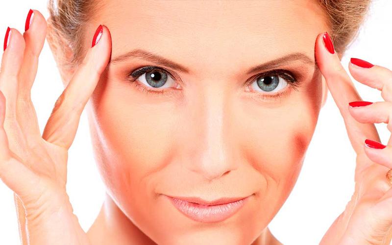 Gimnasia facial: luce un rostro ideal. Cuidar la piel de nuestro rostro y conservar su belleza durante más tiempo pasa tanto por cuidarla correctamente y aplicar los tratamientos oportunos como llevando una vida saludable. Por otro lado, igual que pasa con el resto de músculos del cuerpo, los músculos faciales, también requieren que los ejercitemos para conservar su firmeza y su elasticidad.