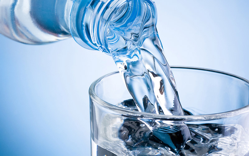 beber-2-vasos-agua-al-dia